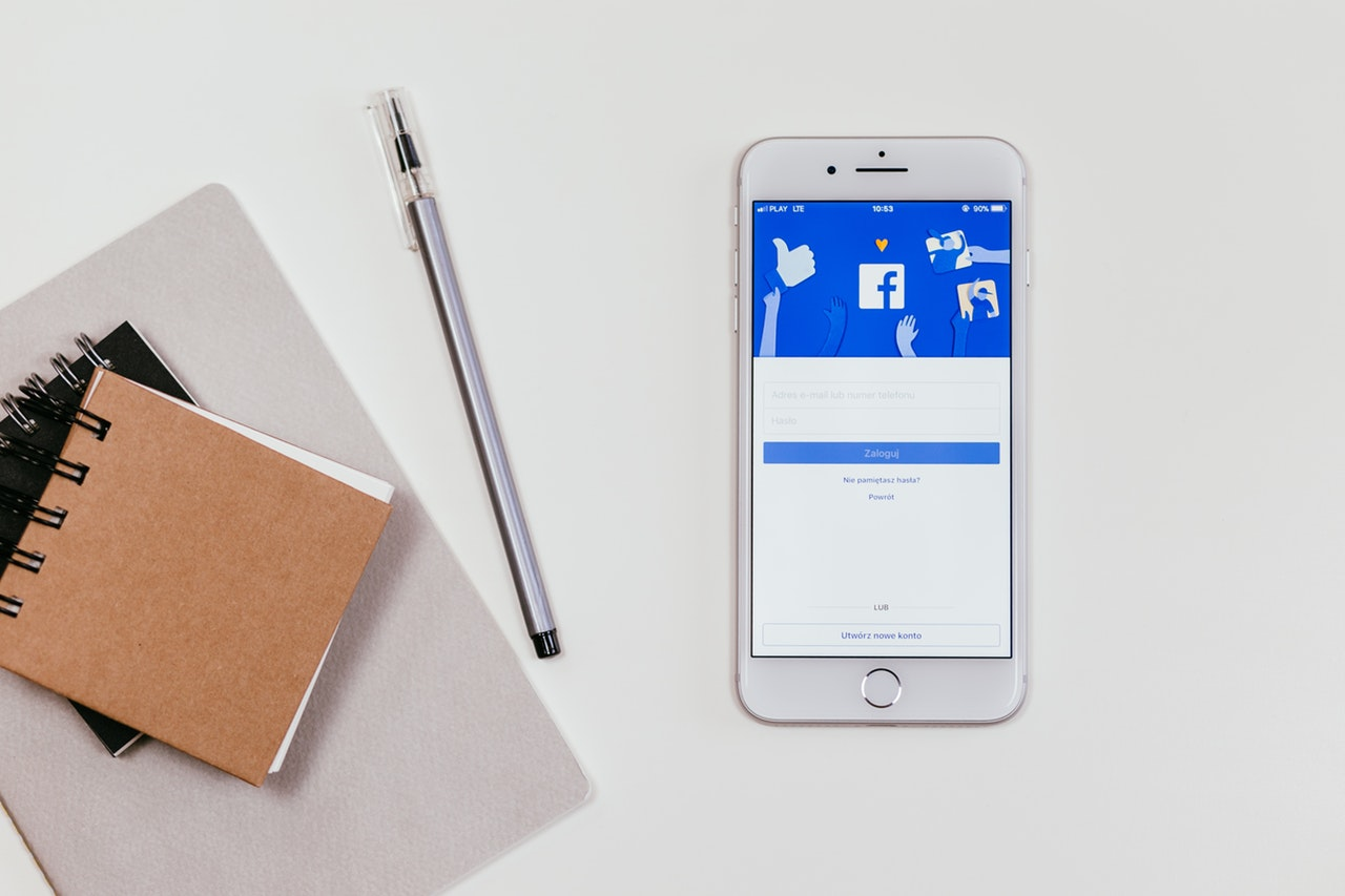 smartphone e facebook
