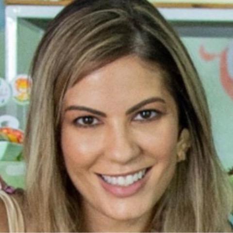 Flávia Lessa<br>