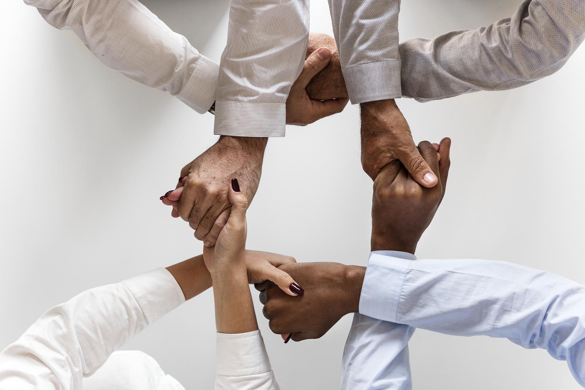 pessoas unidas