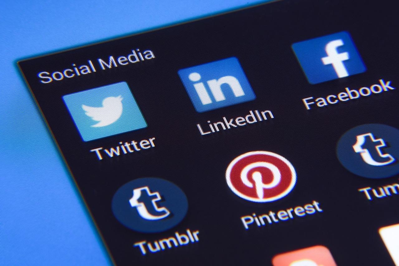 mídias sociais marketing digital