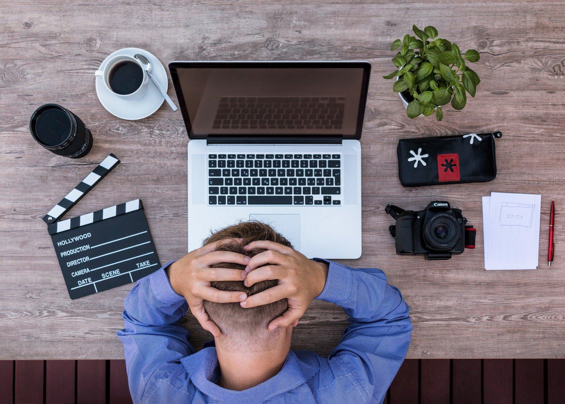 Para a produção de seus primeiros conteúdos, vale contar com ajuda profissional
