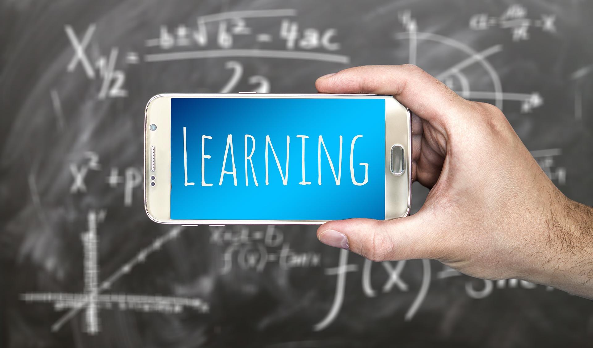 Os apps vêm revolucionando a forma de estudar