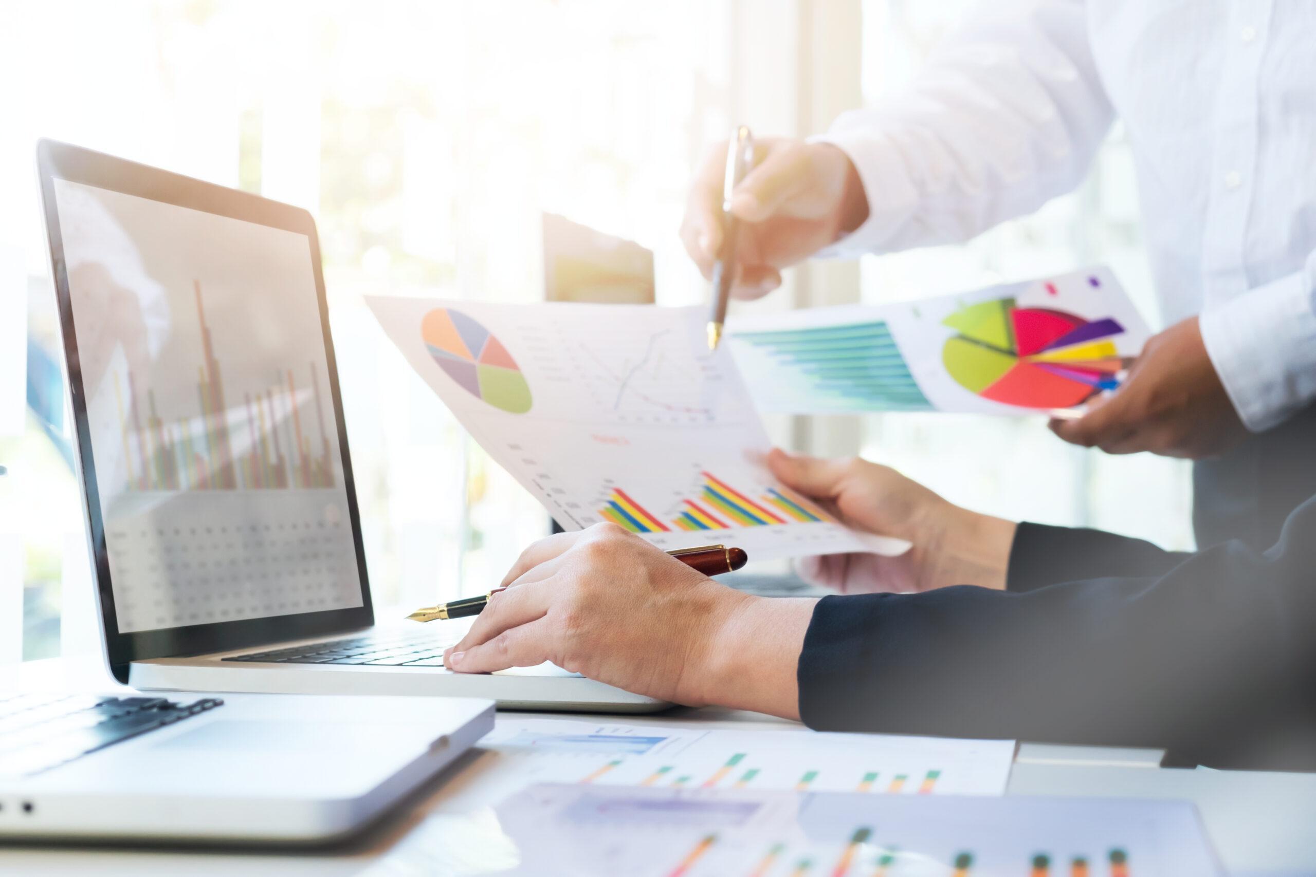 Agência de marketing digital externa x investir em uma equipe interna