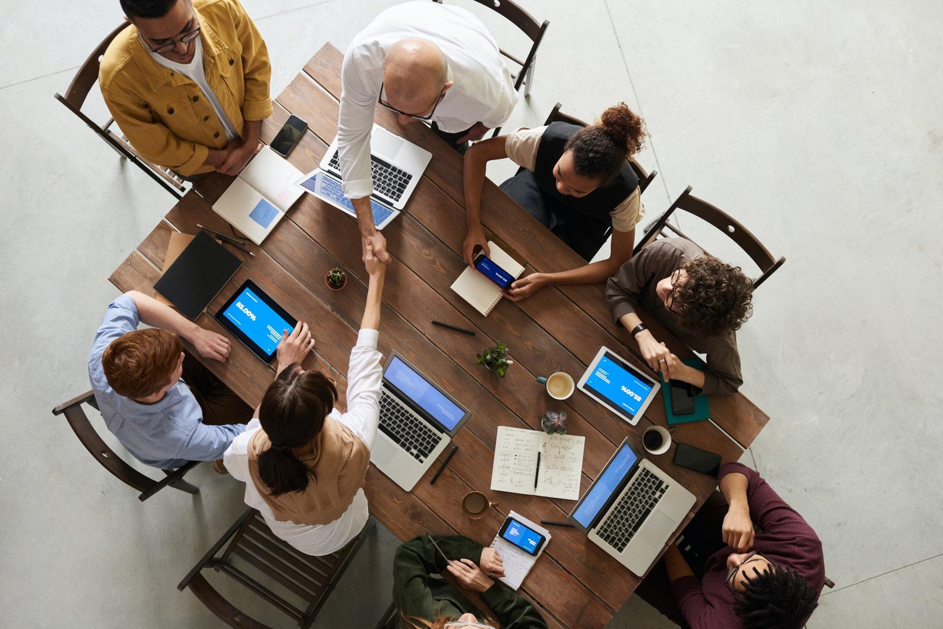 Entenda como fazer a integração entre os times de marketing e vendas